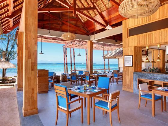 EdgeWater Bar and Grill at Outrigger Mauritius Resort