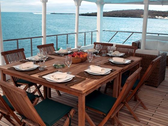 The dining deck of the Queen