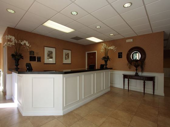 Best Western Plus Savannah Check-In Area