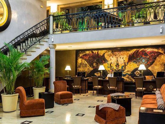 Saratoga lobby