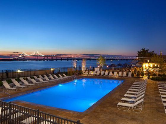 Hyatt Regency Newport Outdoor Pool