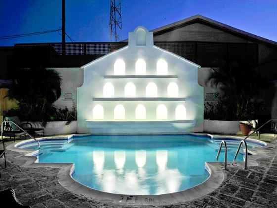 Island Inn Boutique Hotel swimming pool at night