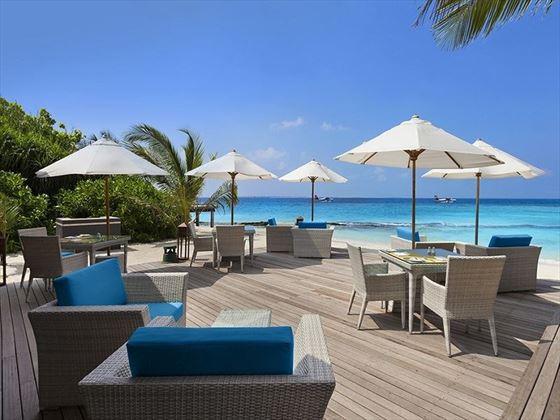 JA Manafaru Infinity bar and pool deck