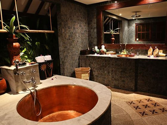 Kampong Lombok Bungalows Bathroom, Hotel Tugu Lombok