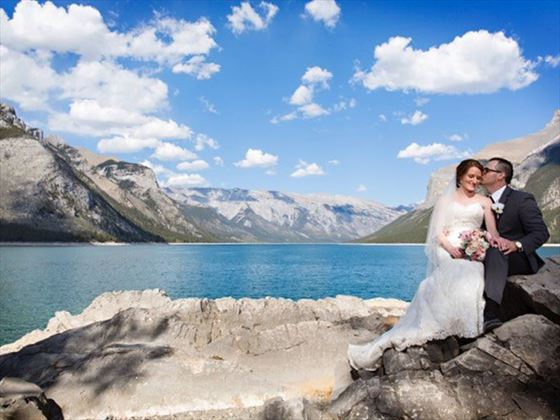 Beautiful weddings at Lake Minnewanka