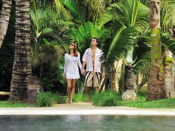 Honeymoon couple at Le Mauricia
