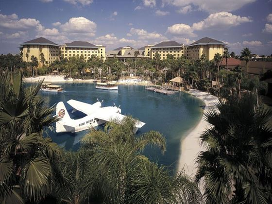 Loews Royal Pacific Resort at Universal Orlando® Lagoon