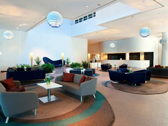 Hilton Cairns Lounge