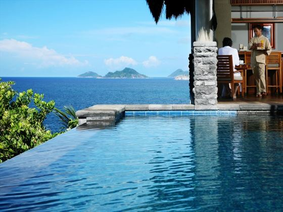 Ocean Panoramic Villa infinity pool