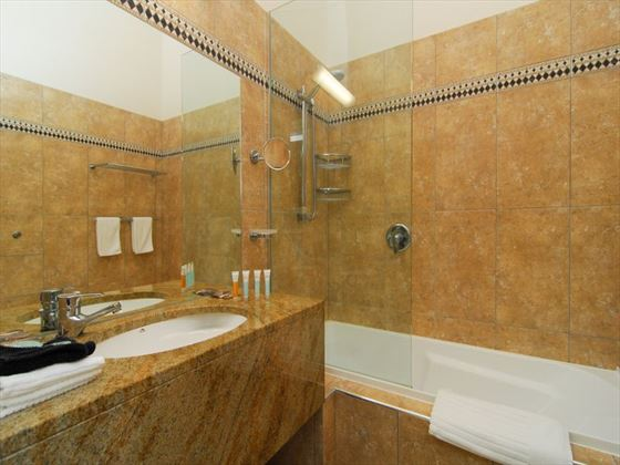 Mangapapa Petit Hotel bathroom