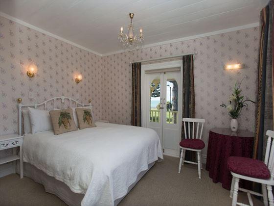 Mon Logis bedroom