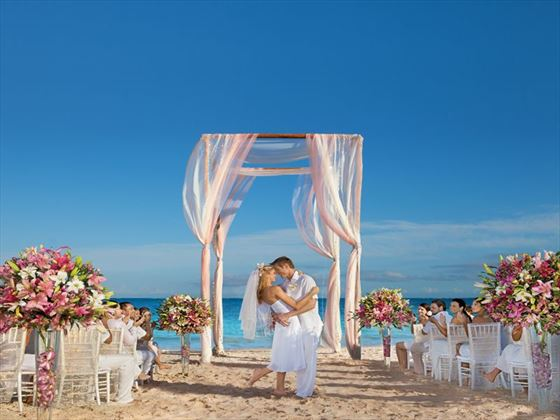 Beach weddings at Now Sapphire