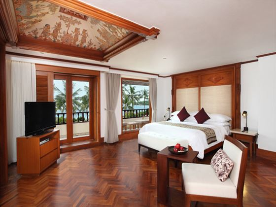 Nusa Dua Beach Hotel Agung Suite bedroom