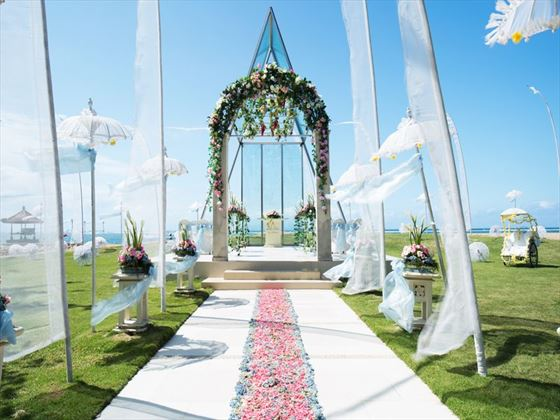 Choose the Luxury Wedding package for the Ocean Breeze Chapel setting