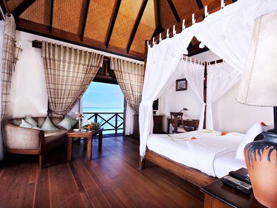 Olhuveli Beach & Spa Resort Deluxe Water Villa