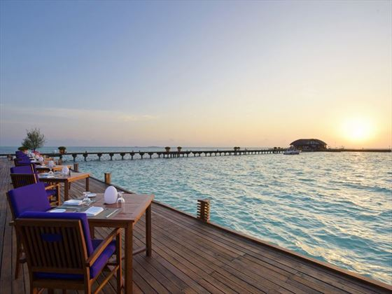 Olhuveli Beach & Spa Resort, Sunset Restaurant
