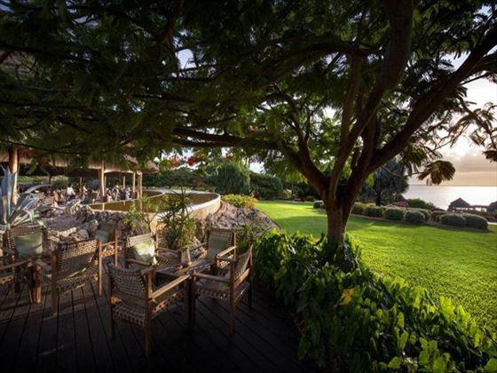Outdoor dining at Diamonds La Gemma Dell Est