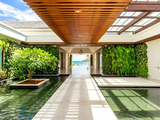 Entrance to Park Hyatt St Kitts