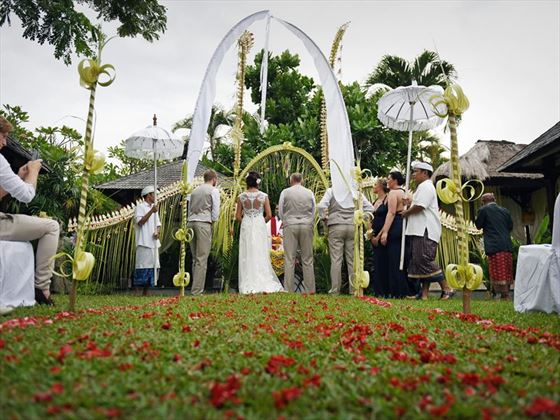 Wedding ceremony in the gardens