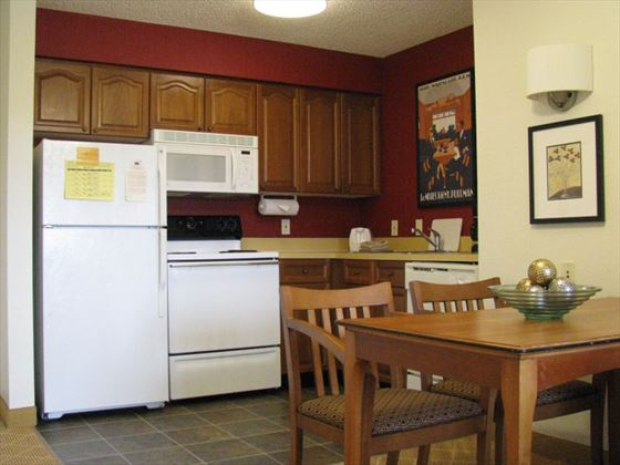 Residence Inn by Mariott Lake Buena Vista kitchen