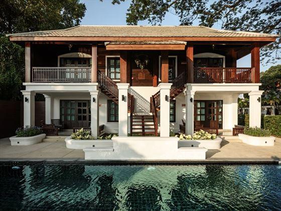 Residences and The Pool, Na Nirand