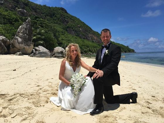 Stunning beach setting for a wedding at Sainte Anne Island
