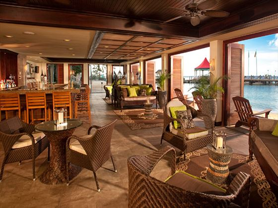 Sandals Grande Riviera Beach & Villa Golf Resort bar