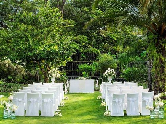 Luxurious intimate wedding venue at The Villa's Secret Garden with the Luxury Wedding