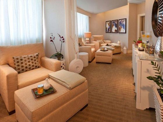 Sheraton Lake Buena Vista spa lounge area