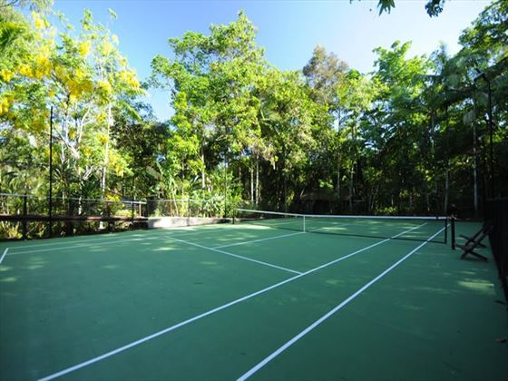 Silky Oaks Lodge tennis court