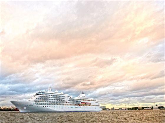 Silver Whisper at sea