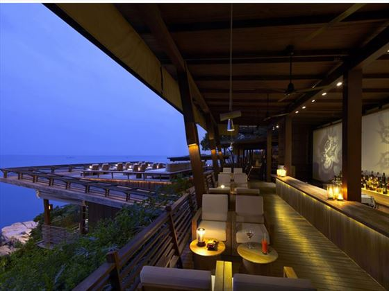 Dining on the Rocks Bar, Six Senses Samui