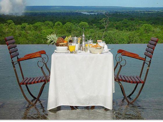 Stanley Safari Lodge outdoor dining