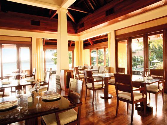 Stars restaurant at Shanti Maurice A Nira Resort
