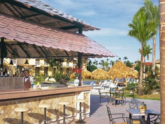 Sugar Reef poolside bar at Dreams Punta Cana