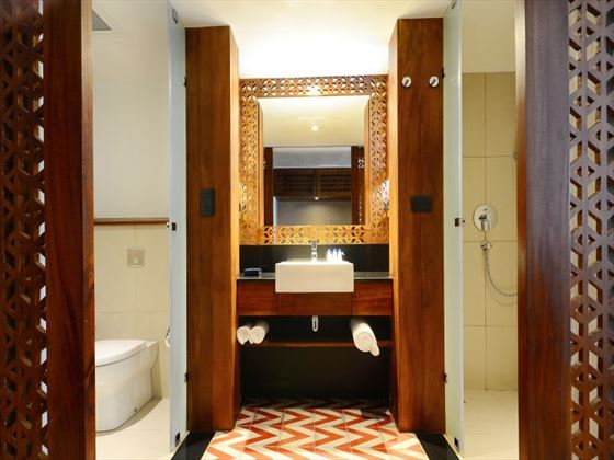 Superior Room bathroom at Cinnamon Bey Beruwala
