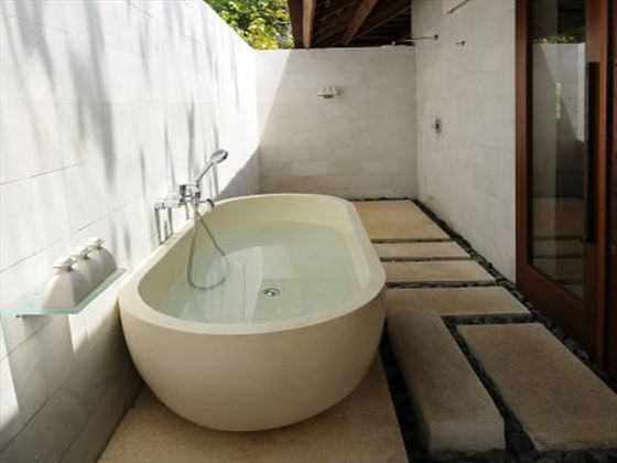 The Menjangan Resort outdoor bathtub area