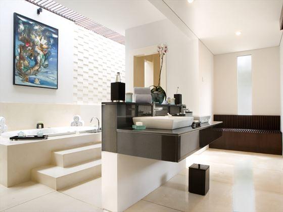The Samaya Ubud bathroom