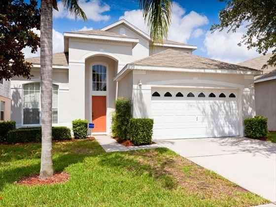 Typical Windsor Palms Villa