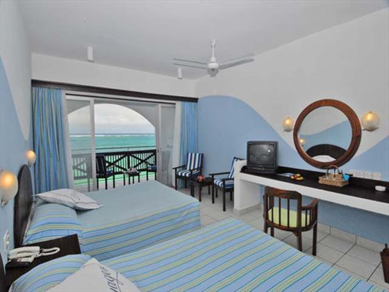 Voyager Beach Resort room