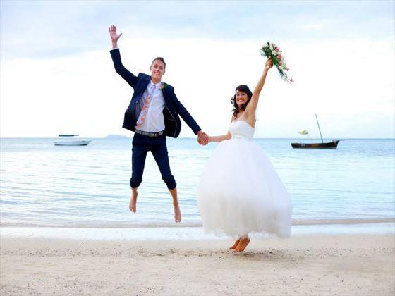 Fun wedding moments at Veranda Paul and Virginie