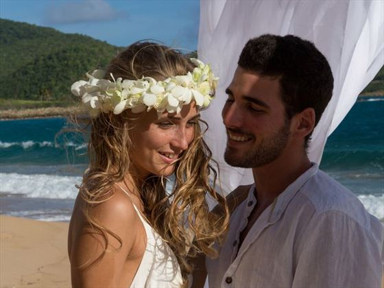 Wedding couple at Curtain Bluff