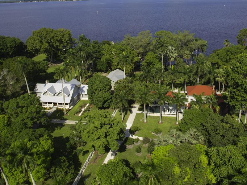 aerial view of the homes of ford and edison fort myers