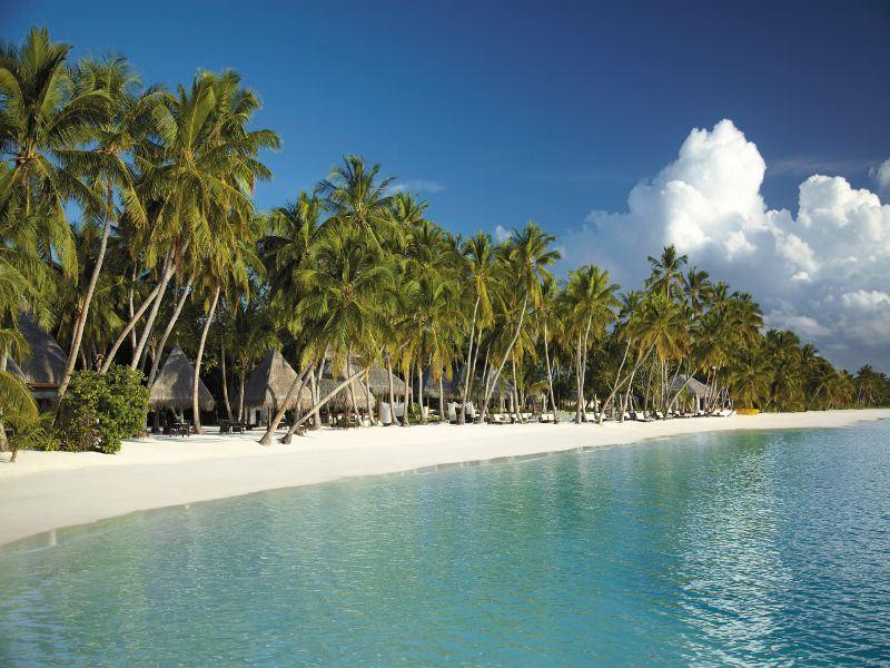 Beachfront view of Javvu at Shangri-La's Villingilu Resort & Spa