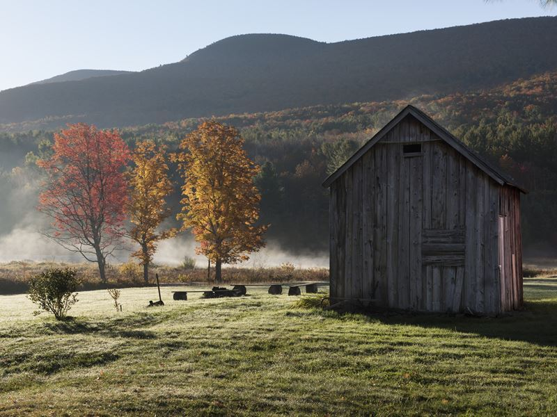 catskill mountain barn in autumn