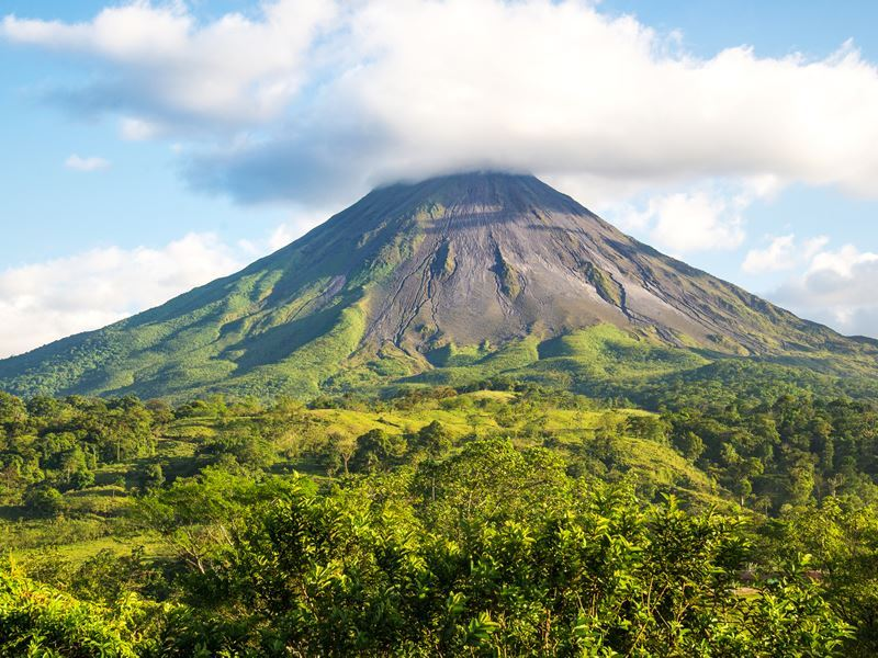 costa rica arenal volcano view