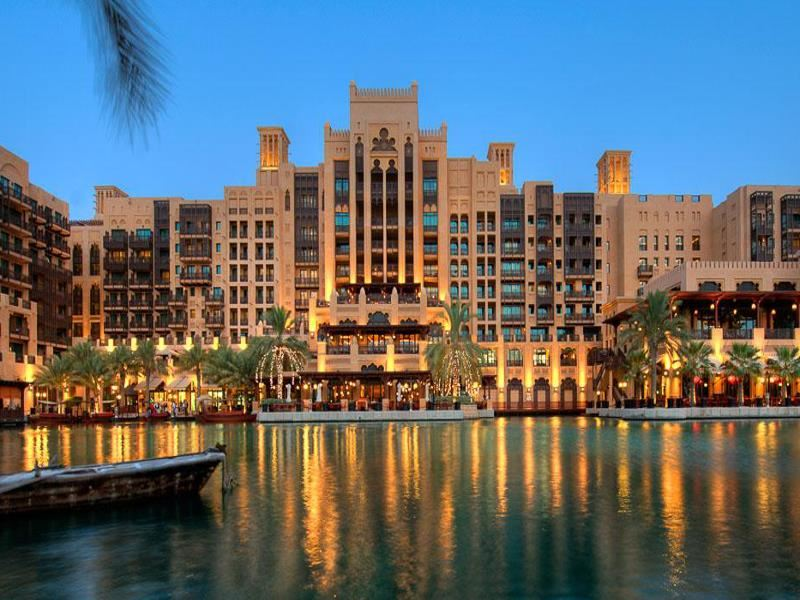 exterior view of mina asalam at madinat jumeirah