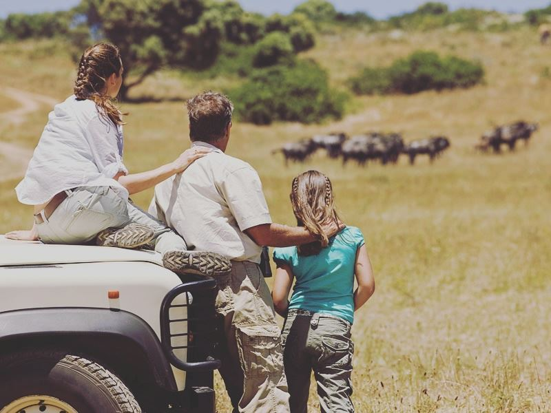 Family on a Kenya safari