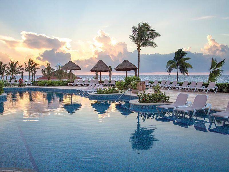 heaven at hard rock riviera maya pool