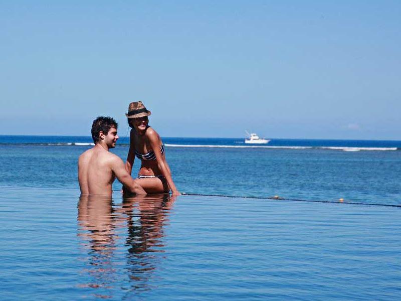 infinity pool at maradiva mauritius